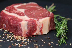 年をとったら肉を食べよう
